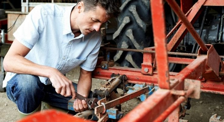 Tips for Maintaining a Tractor