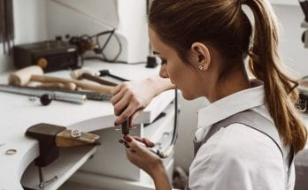 Important Tips: A Guide for Starting a Jewelry Business